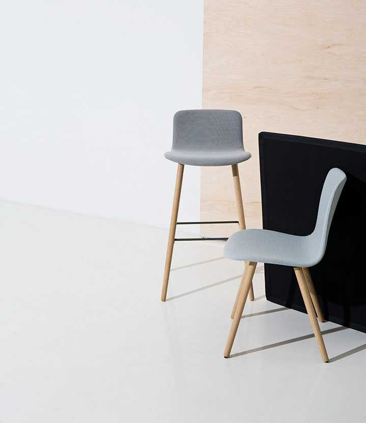 Sola chairs with wooden legs
