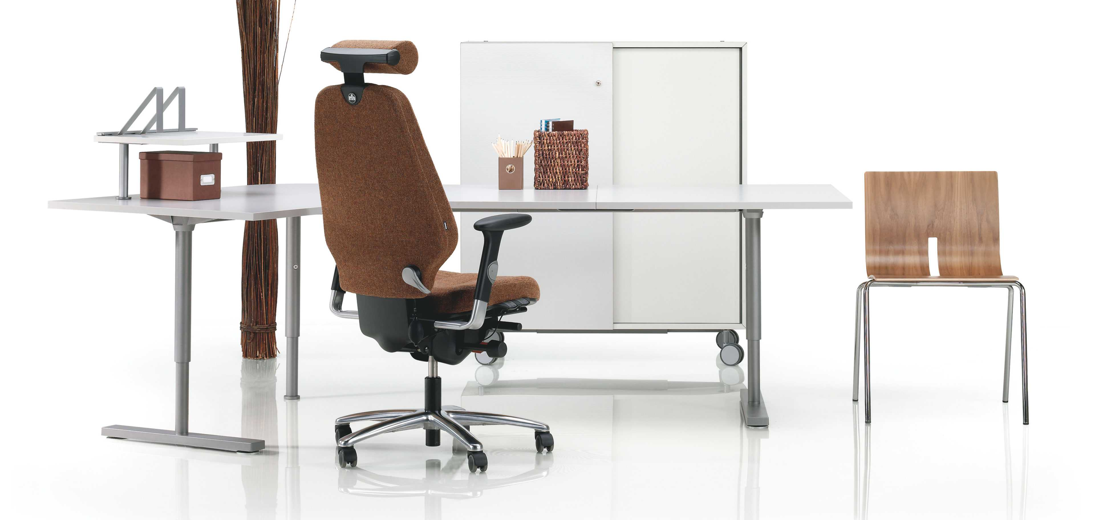 Logic task chair