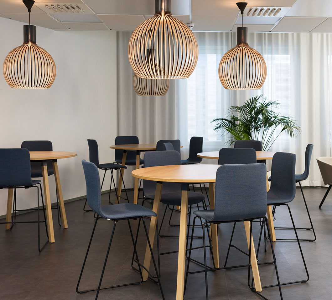 Sola chairs and Alku tables in the new office of Alva-yhtiöt