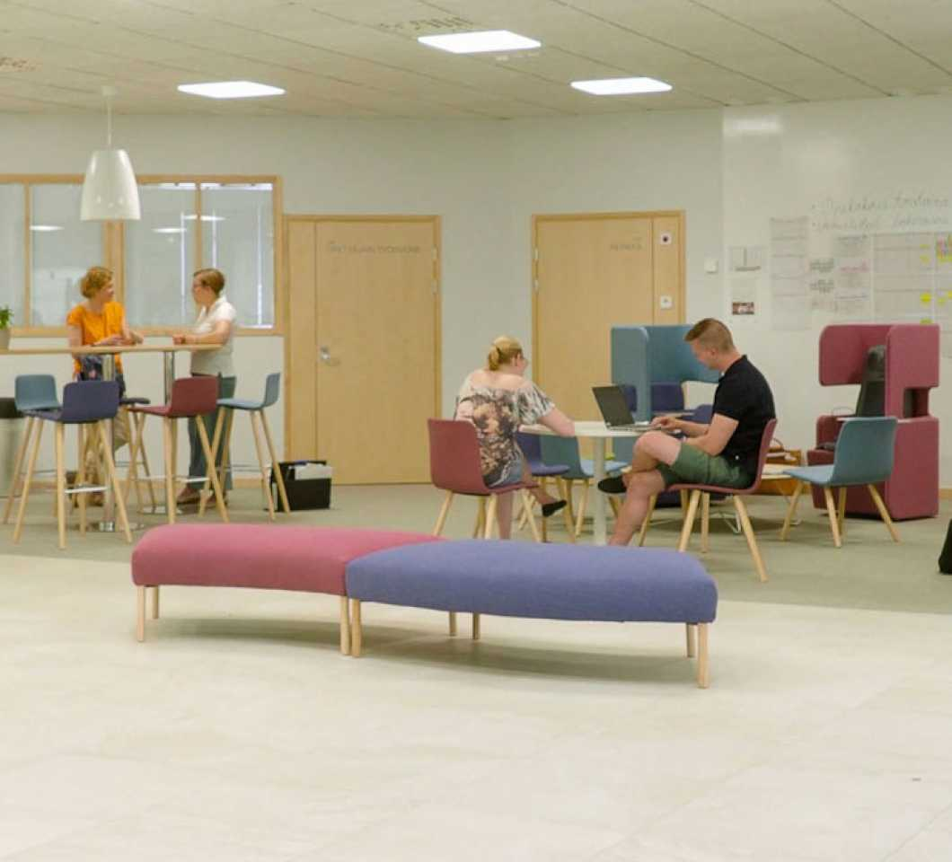 Martela's Sola chairs and PodSeats at Pirkkala Upper Secondary School in Finland
